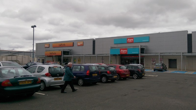 Halfords and Argos at Strathkelvin Retail Park, Bishopbriggs