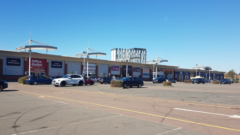Shops at Hayes Bridge Retail Park