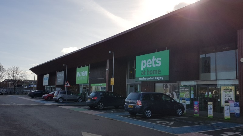 Pets at Home and Wren Kitchens at Botley Road Retail Park, Oxford