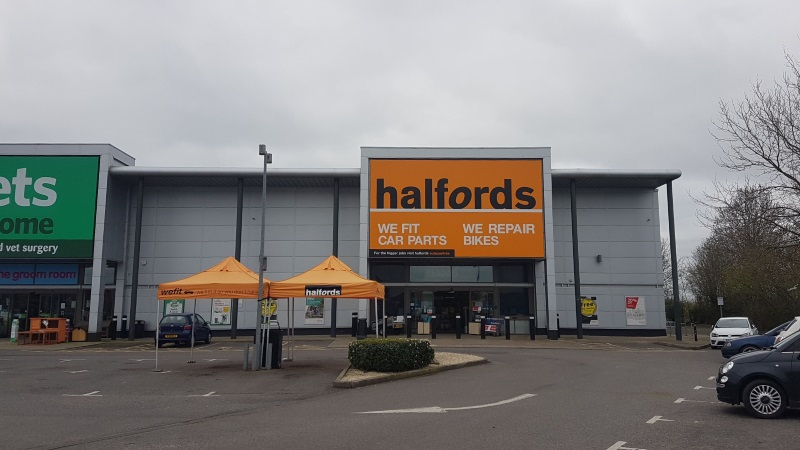 Halfords at Brunel Retail Park,Reading