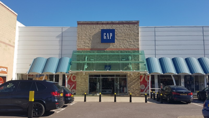 Gap store at Kew Retail Park