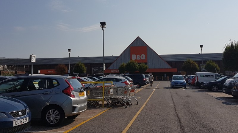 B&Q at Bath Road Shopping Park, Slough