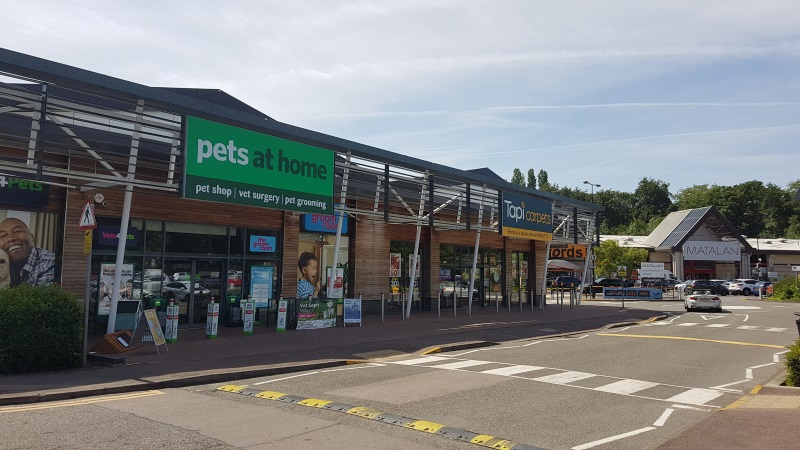 Pets at Home and Tapi Carpets at Abbey View Retail Park, St Albans