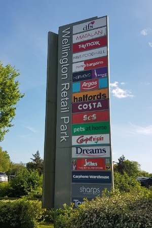 Wellington Retail Park totem sign